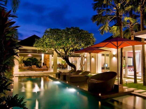2BR Fabulous&Stunning Private Villa+Bfast@Seminyak