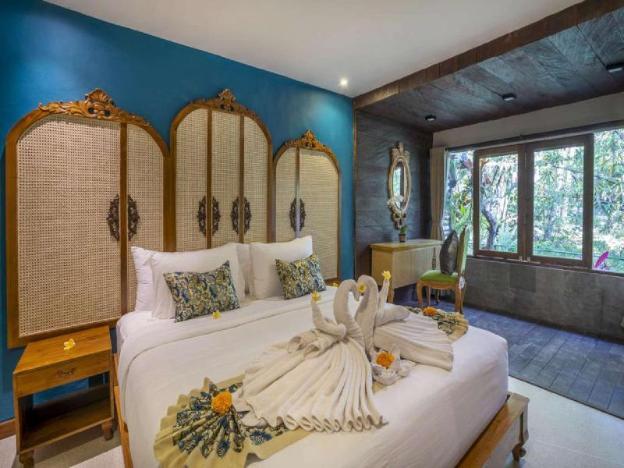 1 BR Ethnic Villa With Balcony + Breakfast+Garden