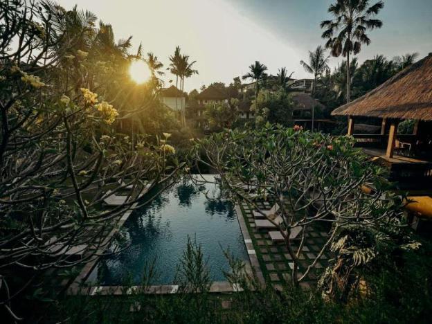 Superior Pool Villa - Breakfast@monkey Forest Area