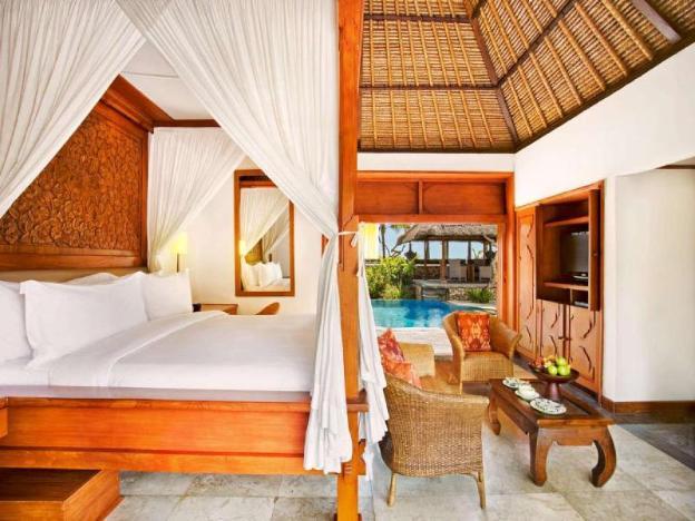 Luxury Villa with Garden View+Bfast@Seminyak Beach
