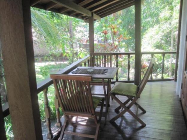 Villa Sunrise on the Bali North Shorebreakfast Included