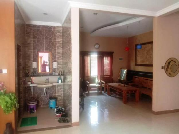 A very nice cozy family home with 2 floors, fully furnished now Dec Promo
