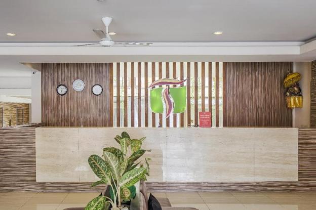 ZEN Rooms Kartika Plaza