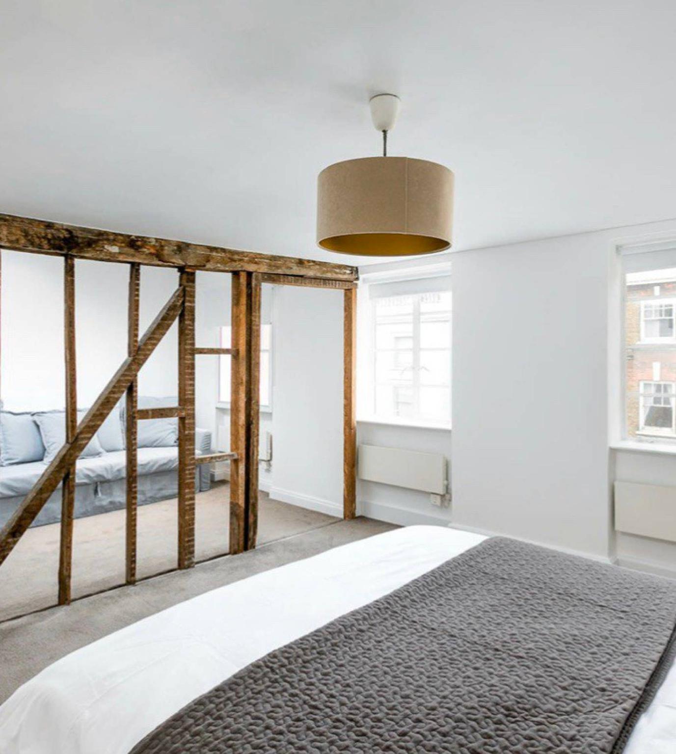 Rustic 2 Bed Maisonette Over 3 Floors In Goodge St