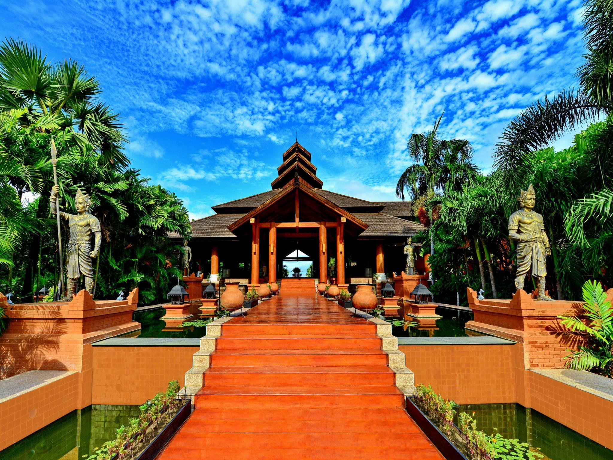 Aureum Palace Hotel And Resort