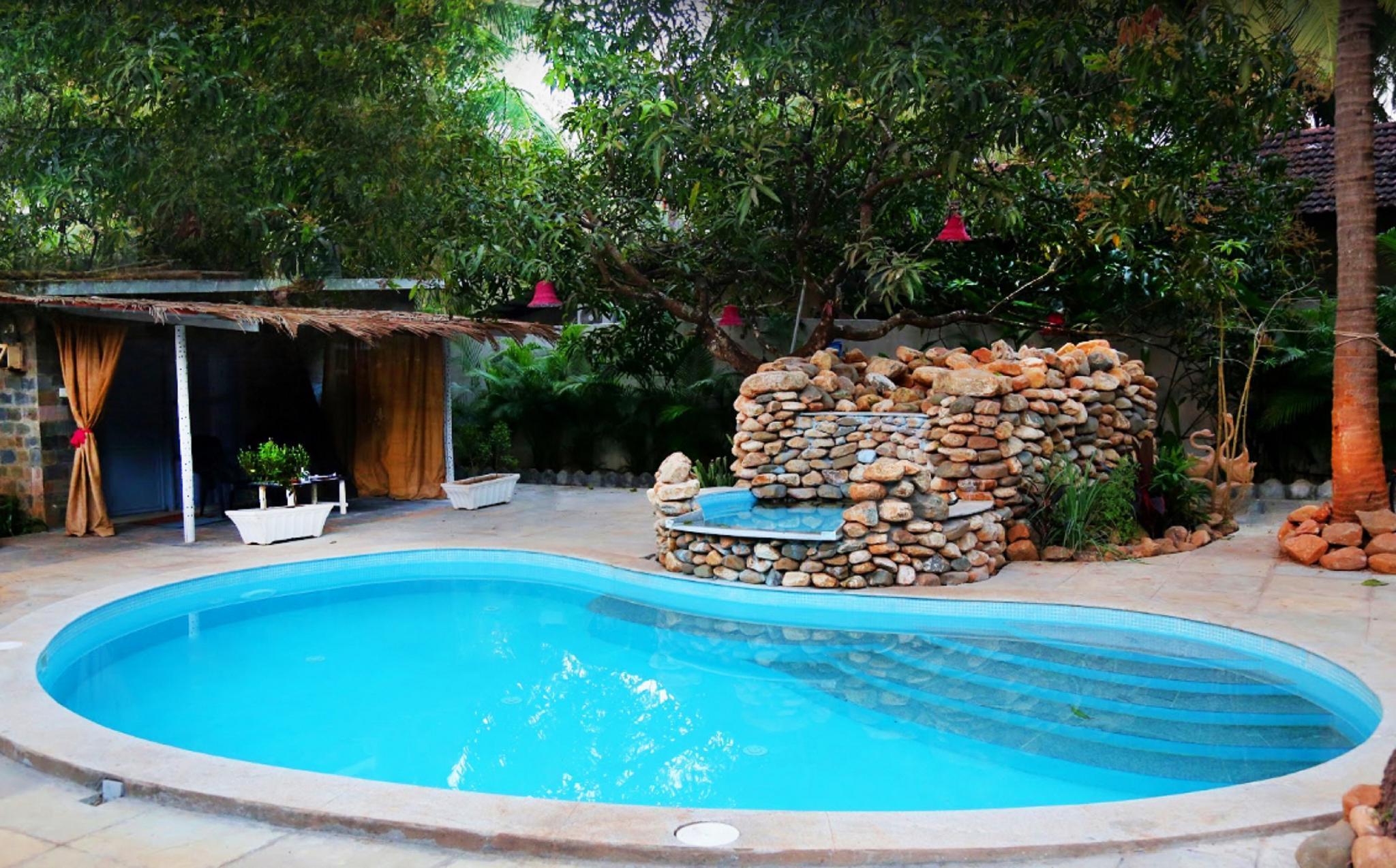 Shantie Shakthi Vagator Resort With Swimming Pool