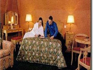 Meadowlands Hotel