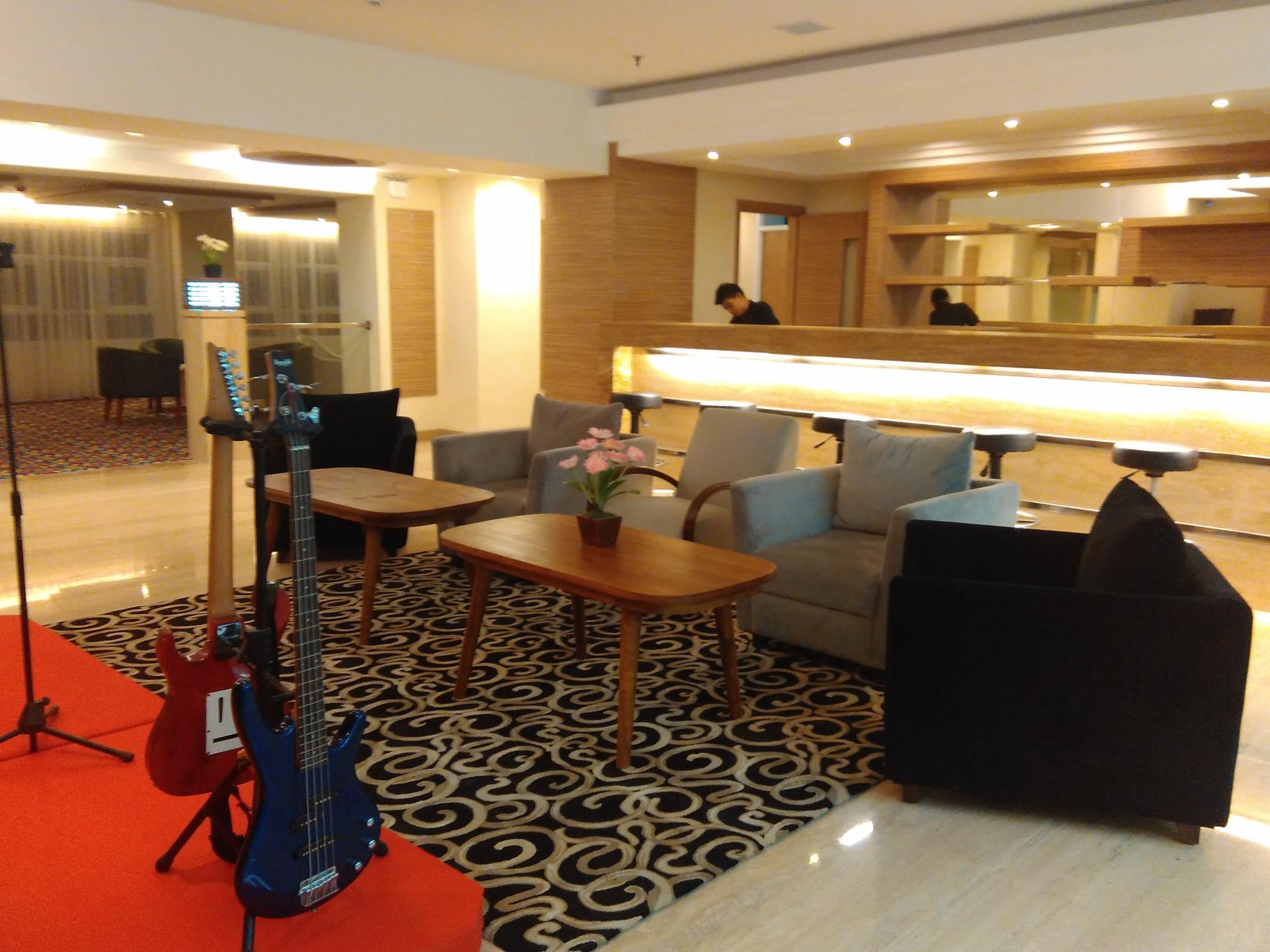 Grand Royal Denai Hotel