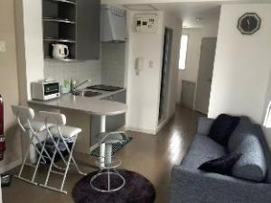 CC 1 Bedroom Apartment Stylish 701