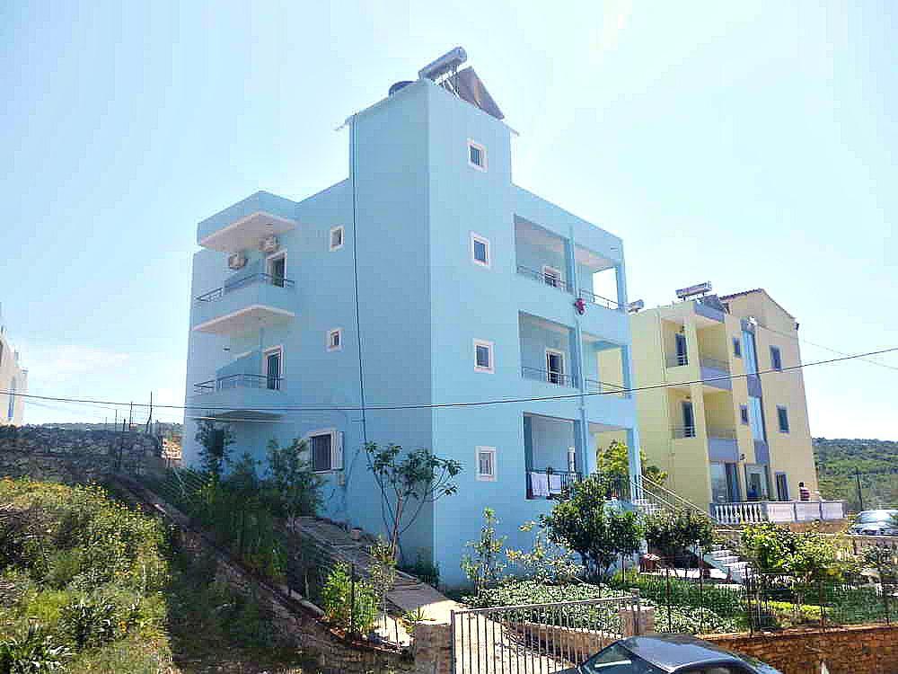 Joni Apartments