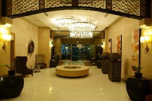 picture 1 of Cozy Condo at Forbeswood Parklane BGC The Fort