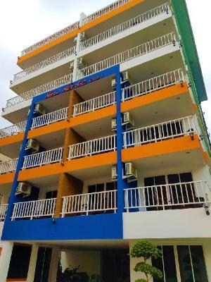 Club Apartments