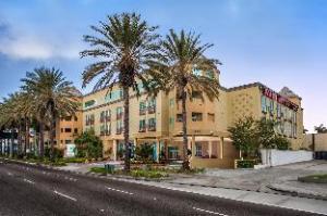 À propos de Desert Palms Hotel & Suites (Desert Palms Hotel & Suites)