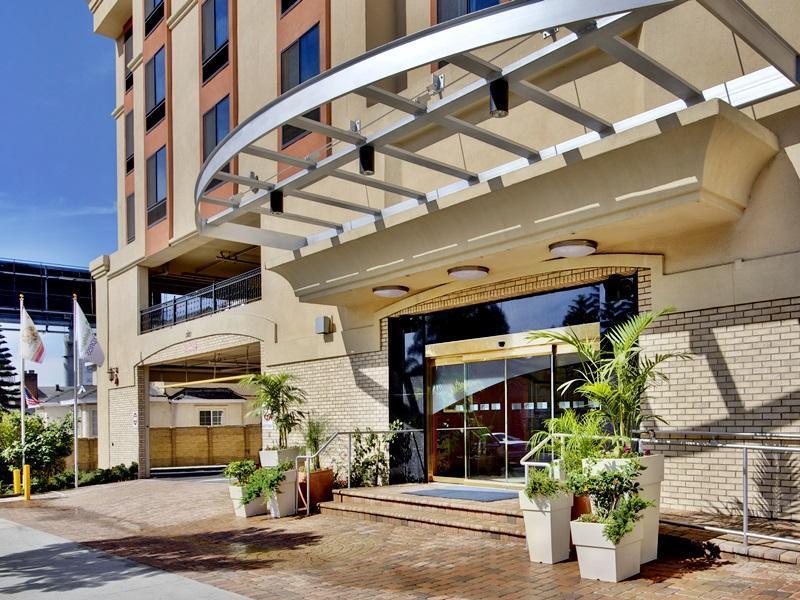 Holiday Inn Express Hollywood Walk Of Fame