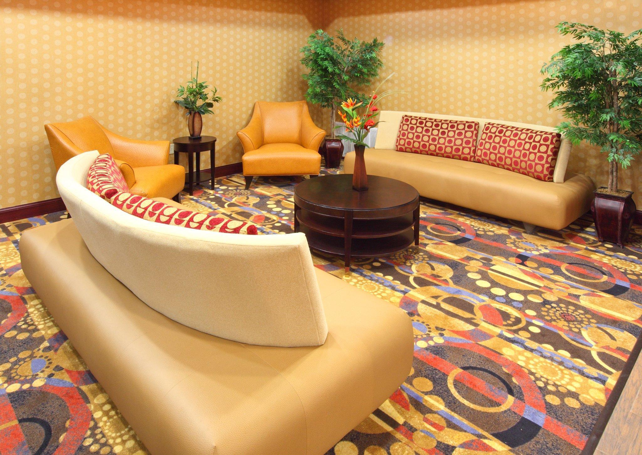 Holiday Inn Express Hotel & Suites Van Buren Fort Smith Area