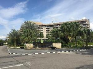라베르사 그랜드 호텔 앤 컨벤션 센터  (Labersa Grand Hotel &Convention Center)
