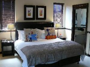 Sandton Lodge Inanda Bed and Breakfast