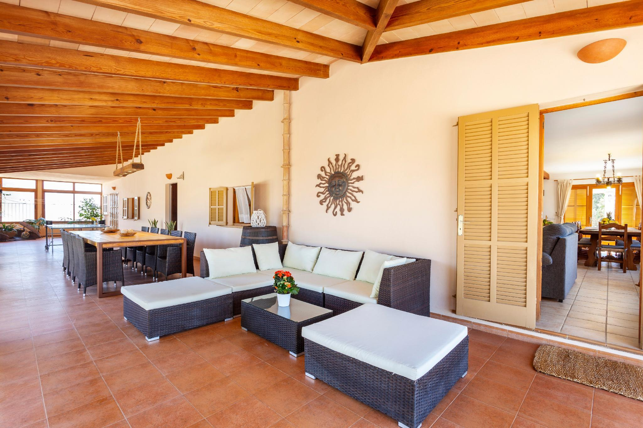 Villa in Can Picafort, located in the countryside, near the beach, has 5 bedroom