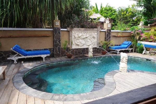 Rumah Manis 5 Room Villa with AC/hot water & pool Lombok