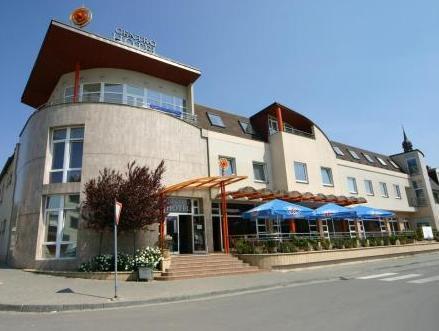 Wine Wellness Hotel Amande Hustopece