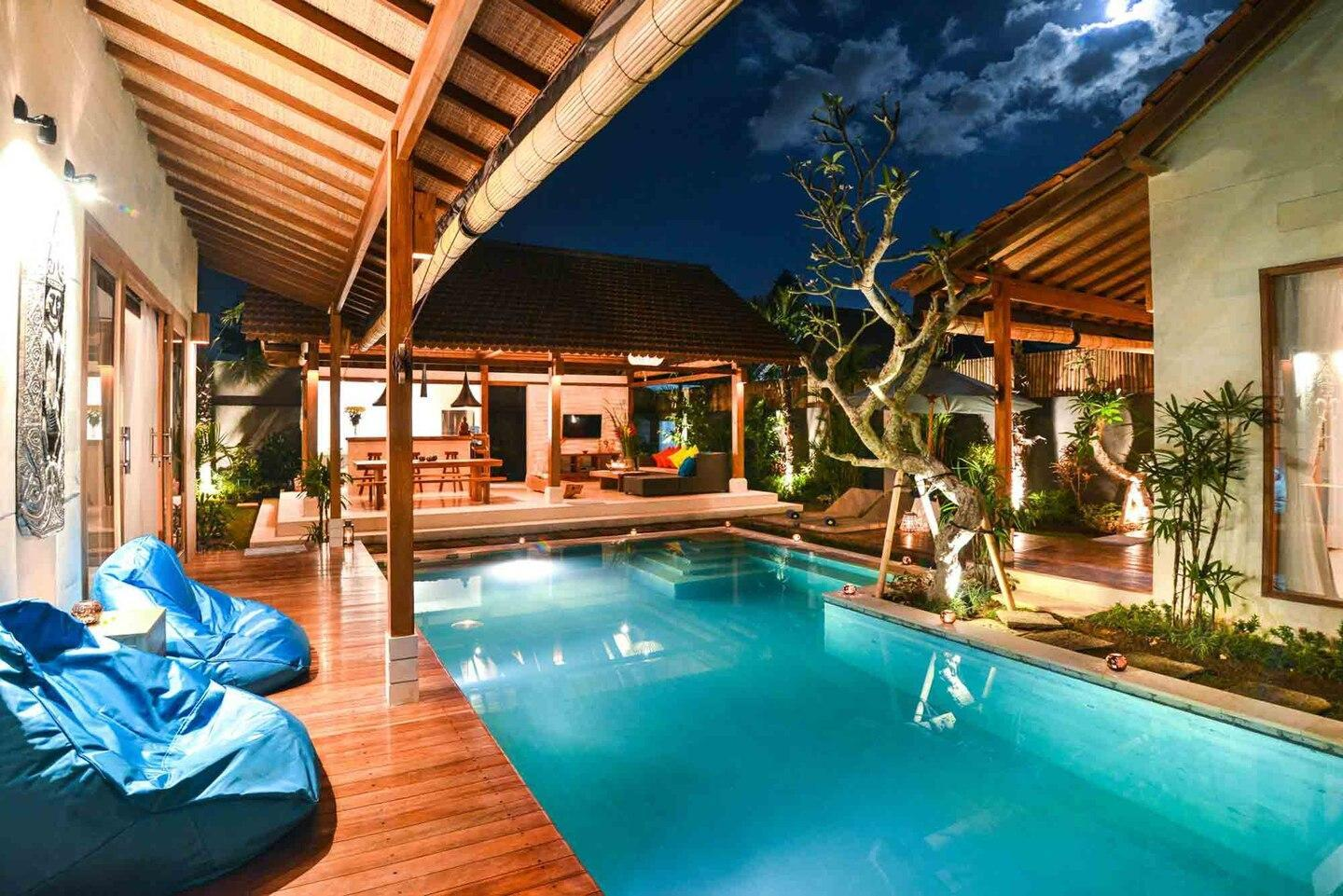 Pool villa with POOL TABLE next to the beach