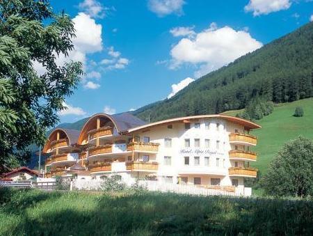 Wellness Refugium And Resort Hotel Alpin Royal