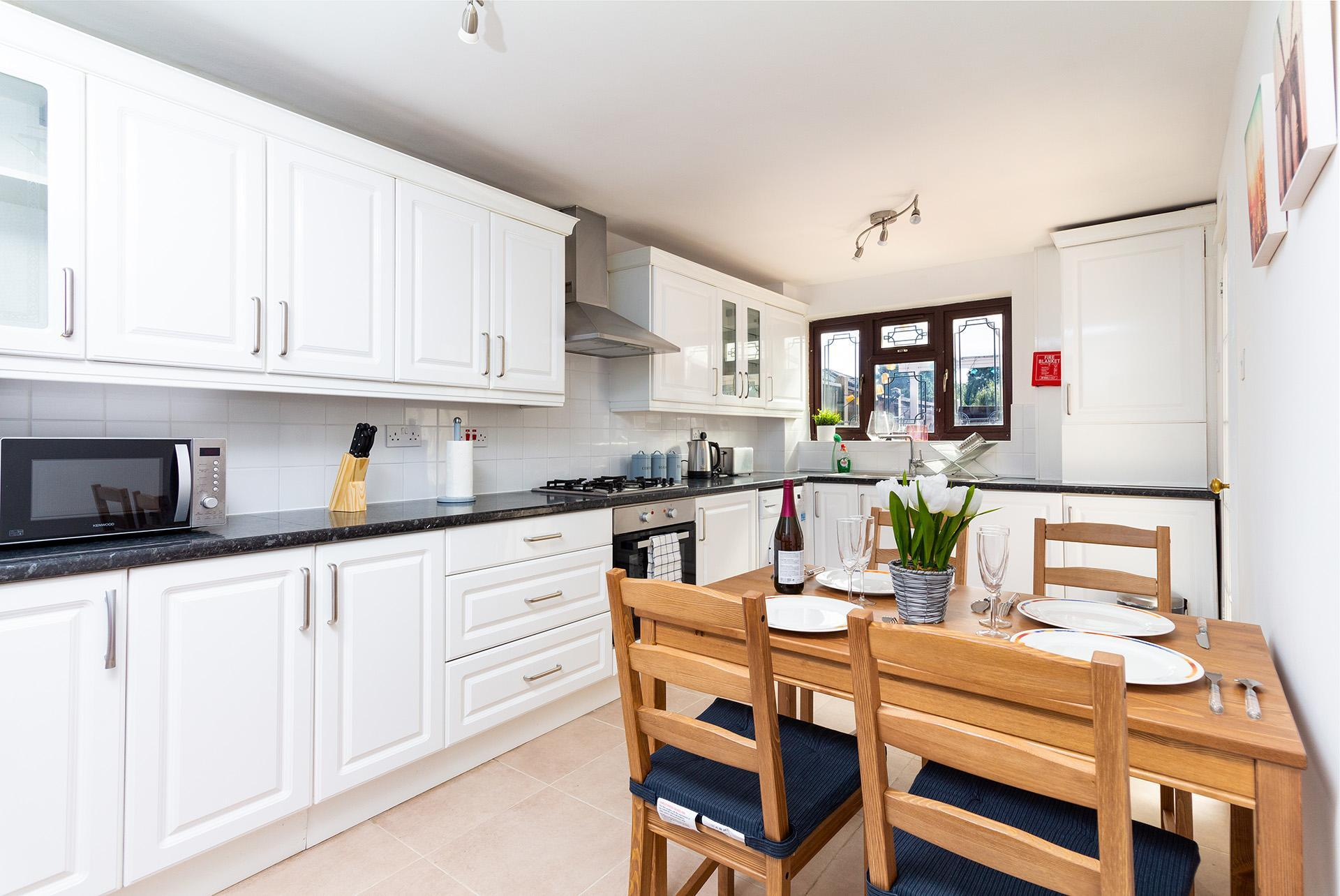 Large Private 4 Double Bedroom  London House