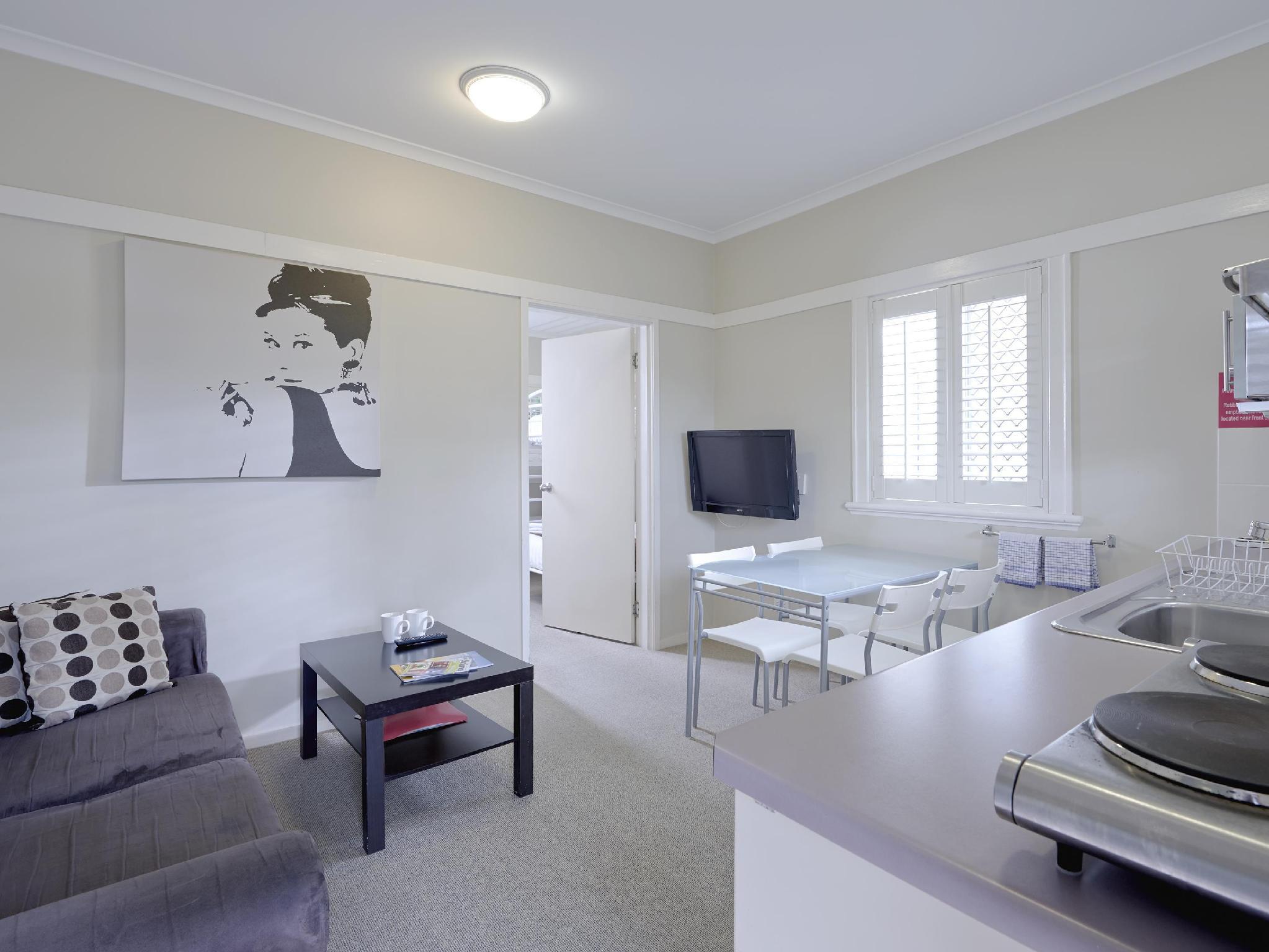 Review Brisbane Street Studios