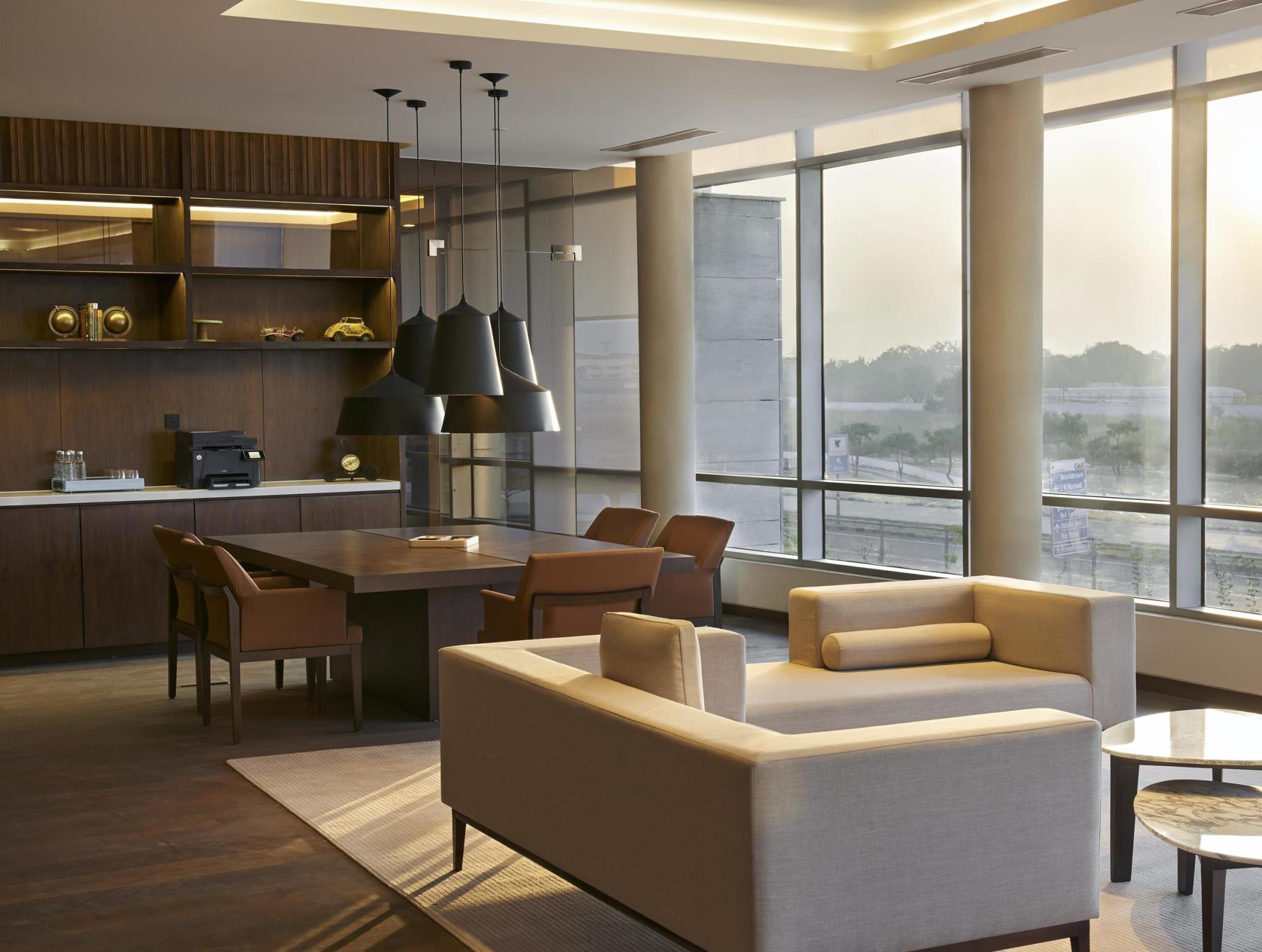 Review Andaz Delhi - a concept by Hyatt
