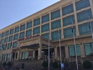 华美达利雅得酒店 (Ramada Hotel Riyadh)