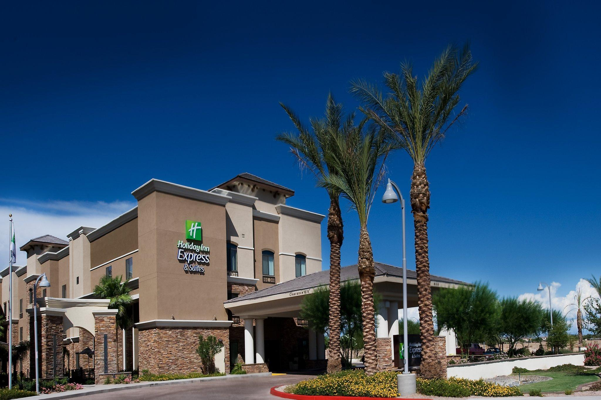 Holiday Inn Express Hotel And Suites Phoenix Glendale