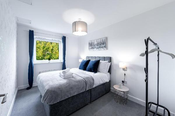Mayfair Court , 2 bed and 2 bathroom with WIFI Watford