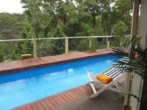 Blue Cliffs Retreat Hotel