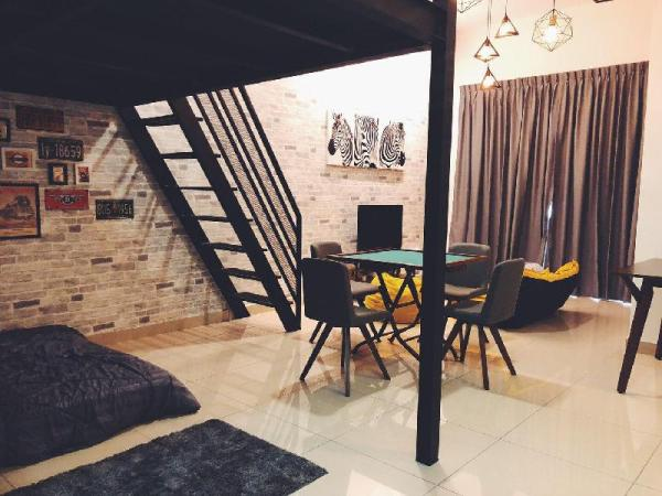 Manhanttan Mount Austin, Loft Style Cactus Home Johor Bahru