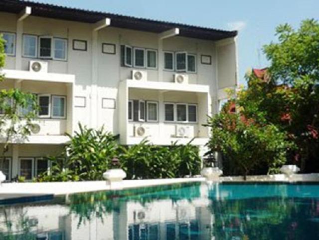 โรงแรมช้างเผือก – Changpuak Hotel