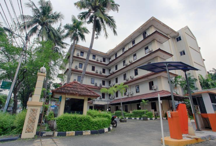 Puri Jaya Hotel