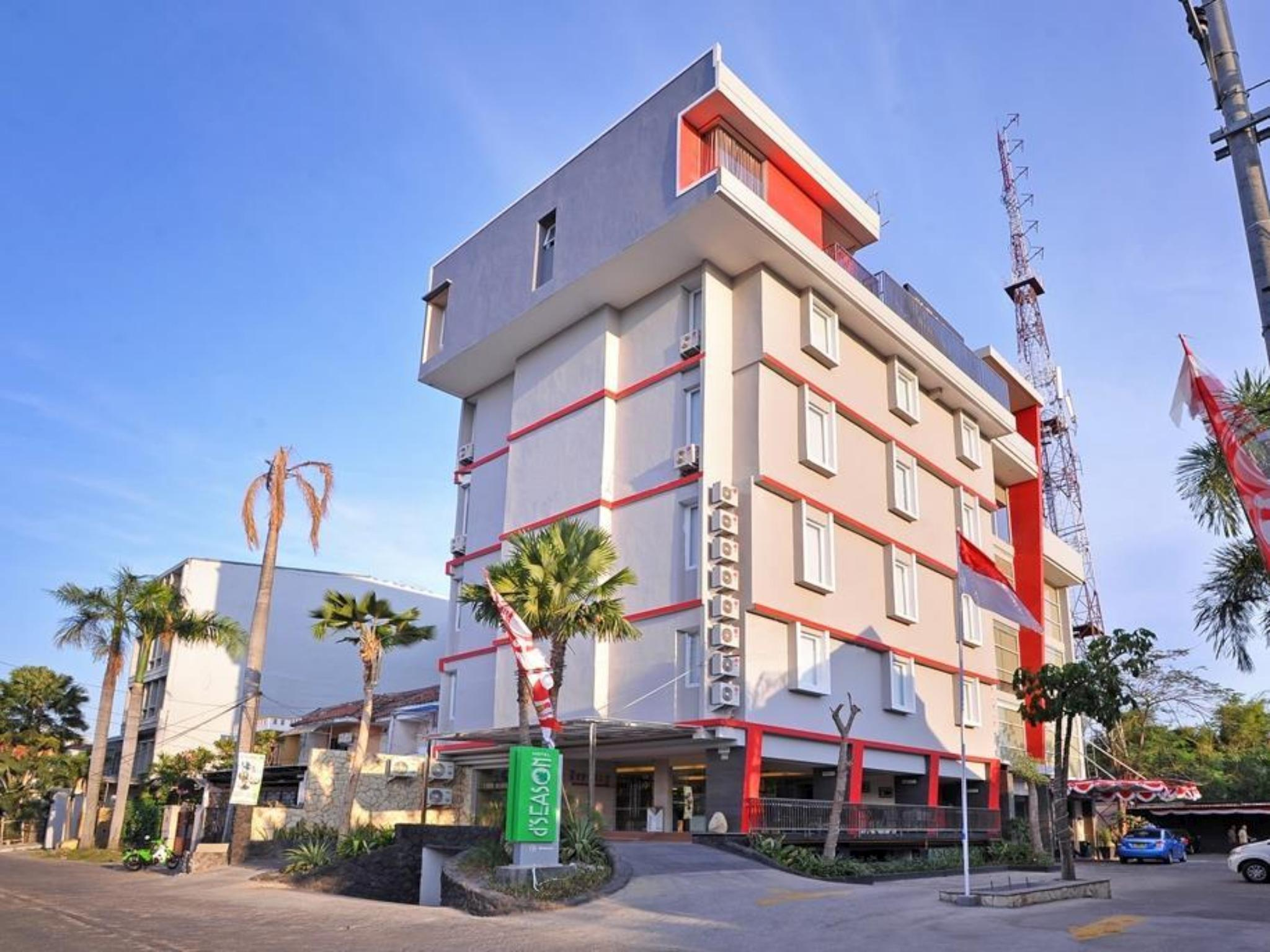 RedDoorz Premium @ D'Season Hotel Jemursari