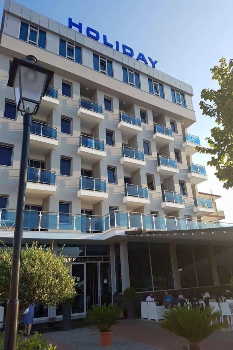 Hotel Holiday Velipoje