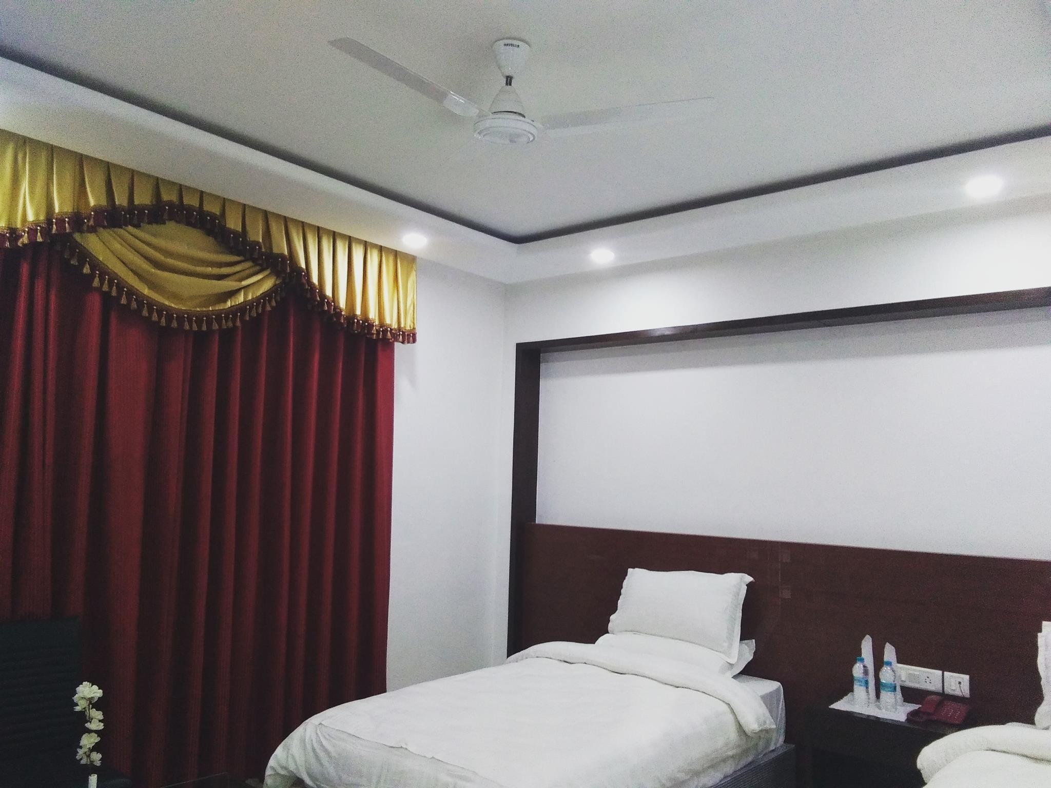 Price Hotel Seven Inn