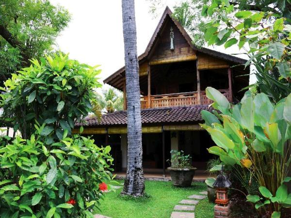 2bedroom Beachfront at Lovina Beachhouse Villas Bali