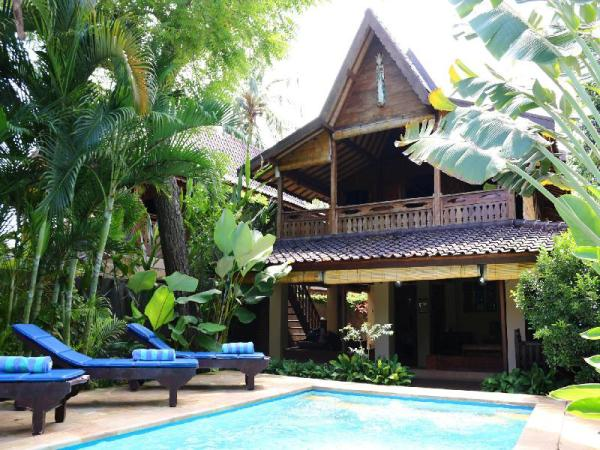 2bed Beachfront Pool house at Lovina Beachhouse Bali