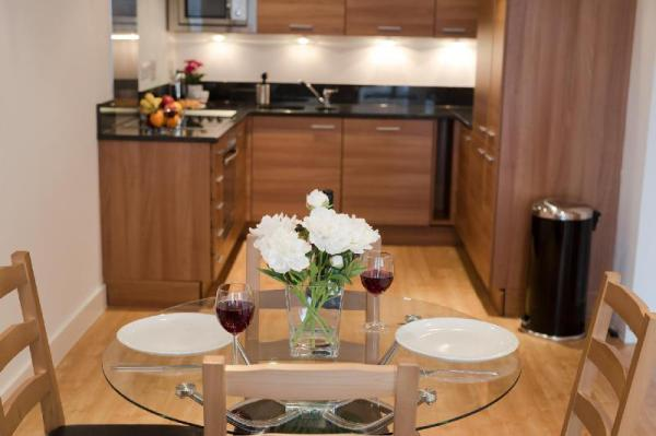 Celador Apartments - Projection West Serviced Apartments Reading