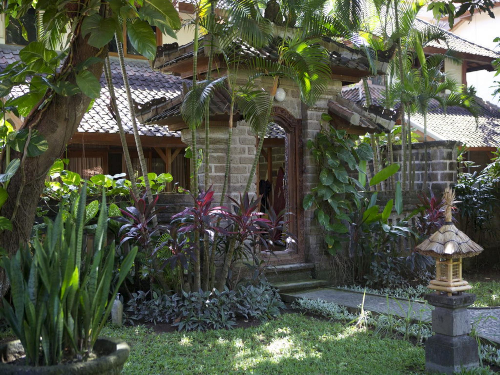 Un's Hotel   Bali