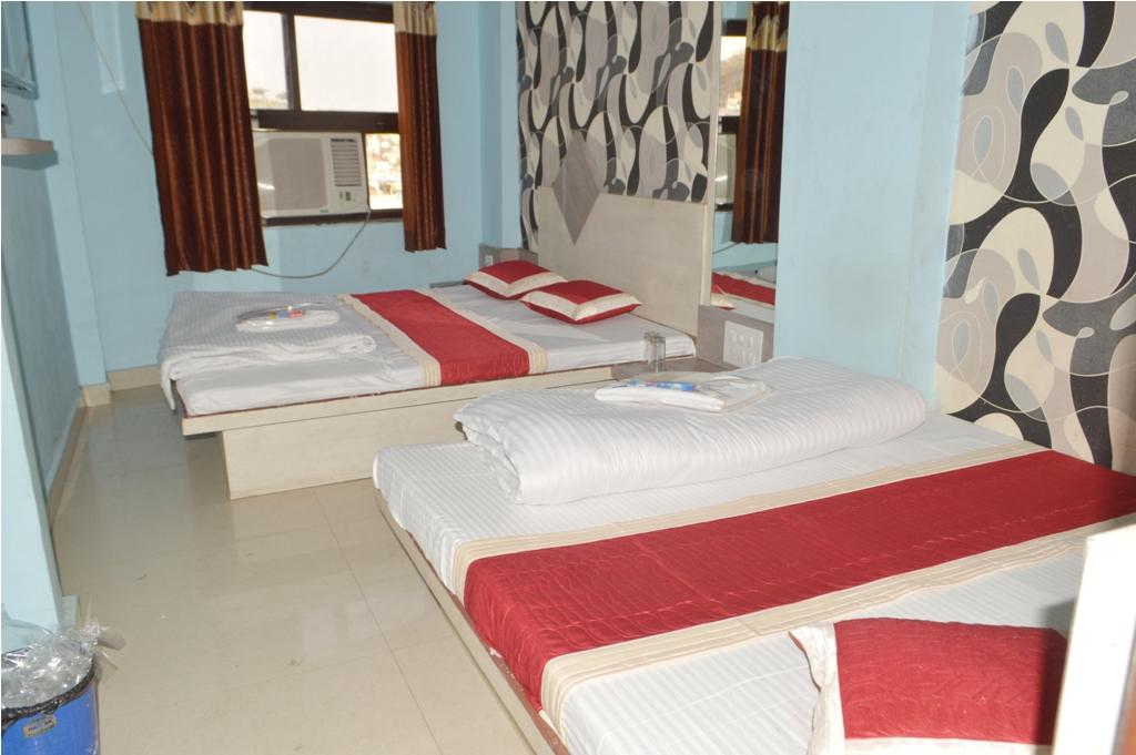 Review Hotel Sukh Suvidha
