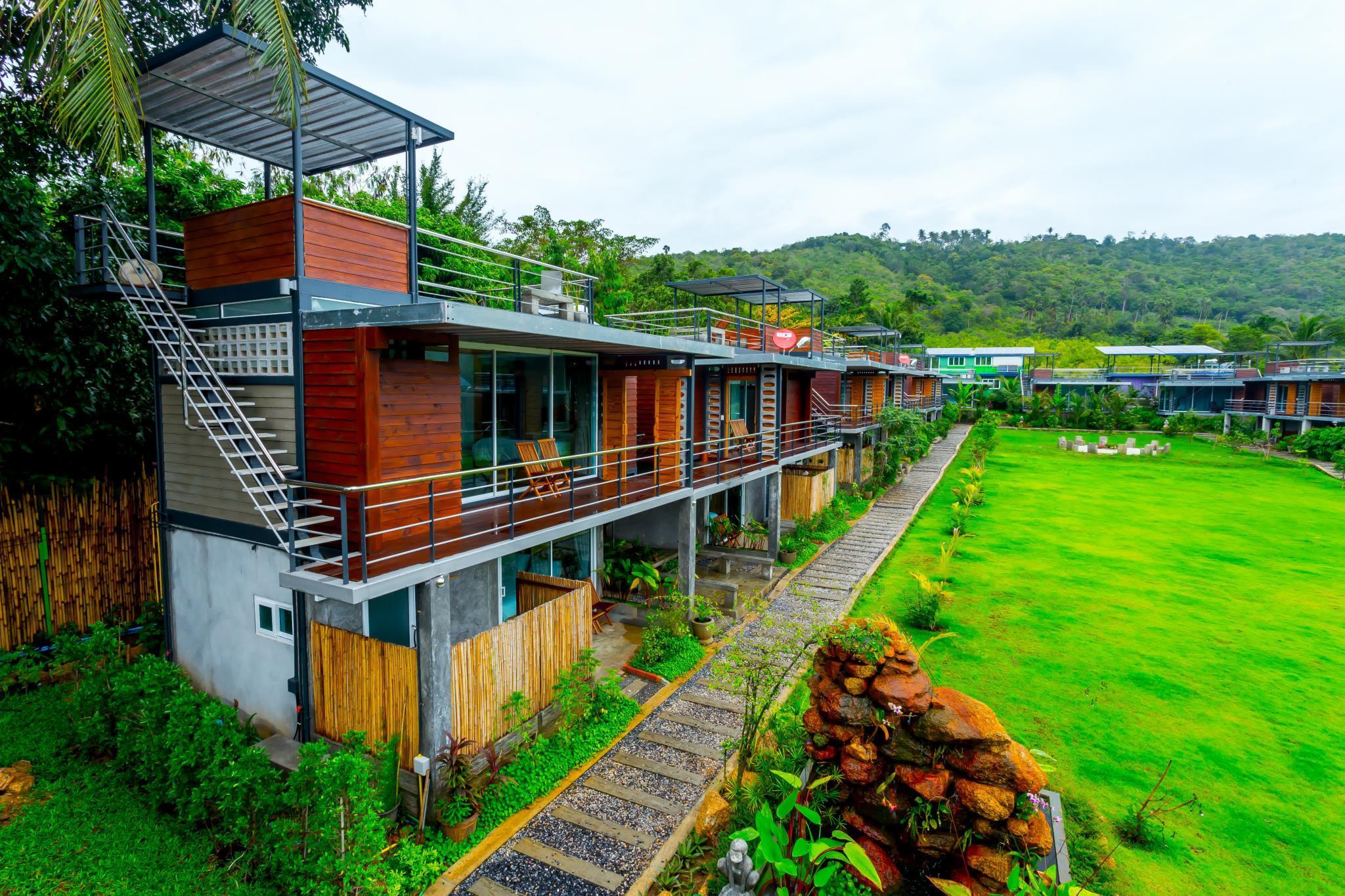 Baan Boom Boxes Resort
