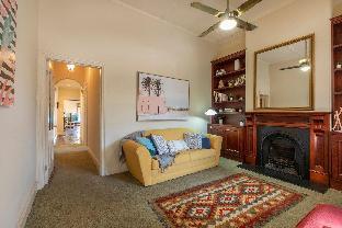 Circa 1890's Cottage Sleeps 4, Wifi, Near Beach Adelaide South Australia Australia
