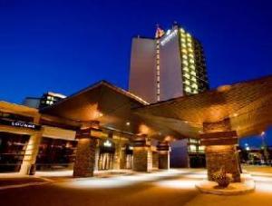 里士满桑德曼签名酒店 (Sandman Signature Richmond Hotel)