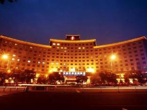 フアルイ ジアングオ ホテル (Huarui Jianguo Hotel)