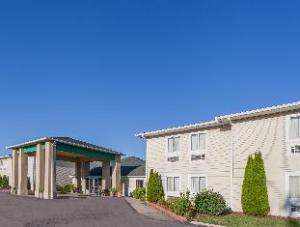 Days Inn & Suites Dundee