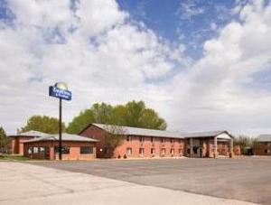Days Inn & Suites Waterloo